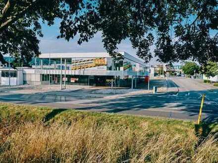 Großzügiges Autohaus zur Miete in Emmendingen - hochfrequentierte 1A Lage an Bundesstraße