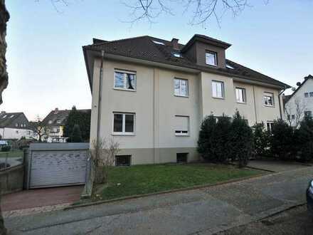 3,5 Zimmer Maisonette- Wohnung (OHNE Balkon) 2 Garagen möglich.