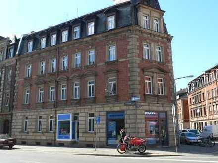 Erstbezug nach Sanierung: Helle 4-Zimmer-Wohnung zur Miete in Nürnberg