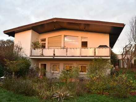 Schönes Einfamilienhaus mit Fernblick in Bad Nauheim-Steinfurth