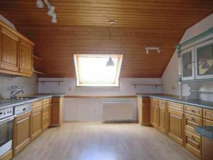 Außergewöhnlich große 3 Zimmer-Wohnung mit Garage und Stellplatz in Abensberg zu vermieten