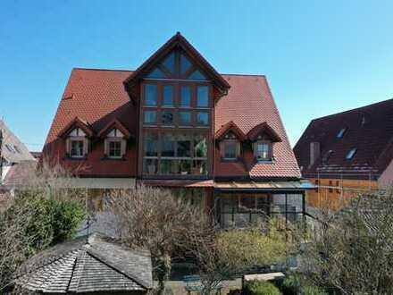 Außergewöhnliche Eigentumswohnung mit 625qm großem Garten und einer Nutzfläche von 87qm!