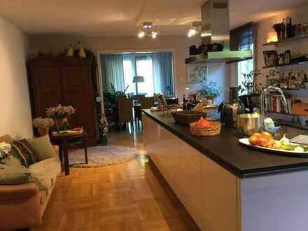 Schöne 200qm große Wohnung für Wohngemeinschaft