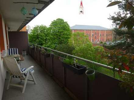 2-ZW mit großem Balkon in der Zellerau - Nähe Main