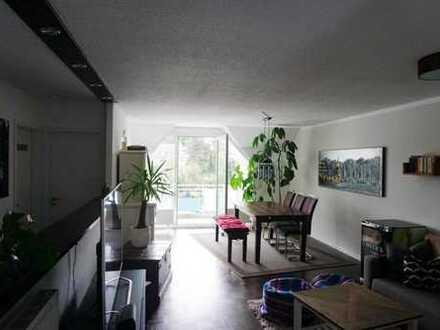 Schöne Dachgeschoss-Wohnung mit 2 Balkonen im Herzen von Lindlar!