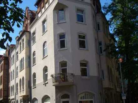 Helle und moderne 2 Zimmer Dachgeschosswohnung