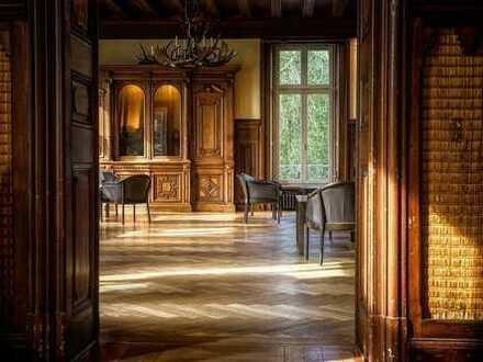 Luxuriöse Villa mit traumhaften Elbblick!
