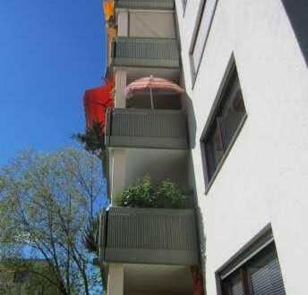 4 Zimmer-Wohnung mit Loggia/Balkon, TG-Stellplatz mit ca. 116 qm Wohnfläche in Weinheim
