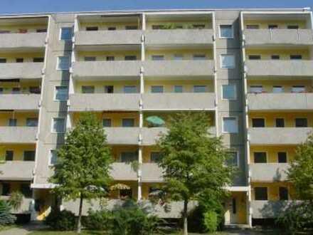 günstige 3-Raum-Wohnung I mit großem Balkon
