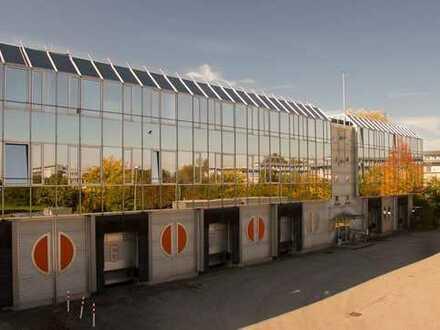 Modernes Büro mit attraktiver Raumaufteilung und Terrassennutzung in Hallbergmoos