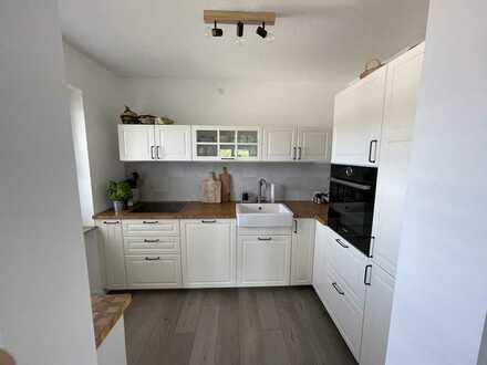 Vollständig renovierte 2-Zimmer-Wohnung mit Balkon und EBK in Pforzheim