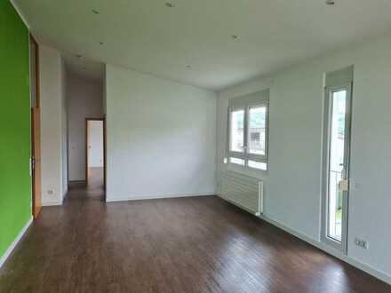 Helle, modernisierte 4-Zimmer-Dachgeschosswohnung mit großem Balkon und EBK in Deizisau
