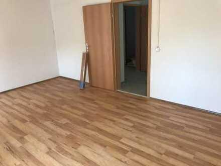 Tolles Haus auf drei Etagen, 2 Küchen, 2 Badezimmer, 7 Zimmer!