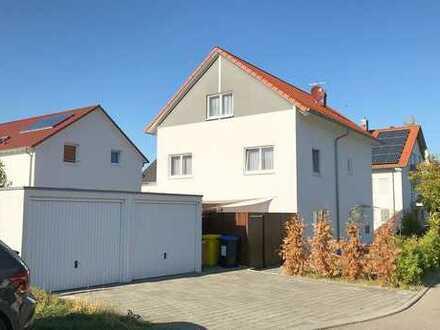 +++Einfamilienhaus mit Terrasse und Doppelgarage in Allmersbach+++