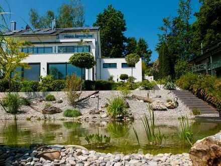 Moderne Neubau Villa mit Skyframes zum Paradies