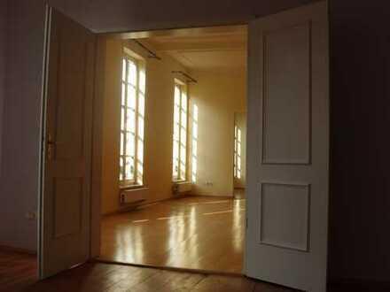 Exklusive 4-Zimmer-Altbauwohnung zur Miete in Aschaffenburg