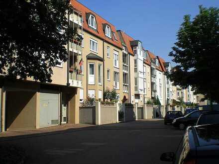 *Ideal geschnittene Stadtwohnung mit Terrasse & Balkon*