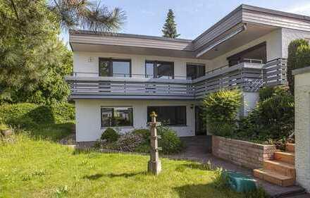 Stilvolle, vollständig renovierte 4,5-Zimmer-Wohnung mit Balkon und Garten in Blaustein