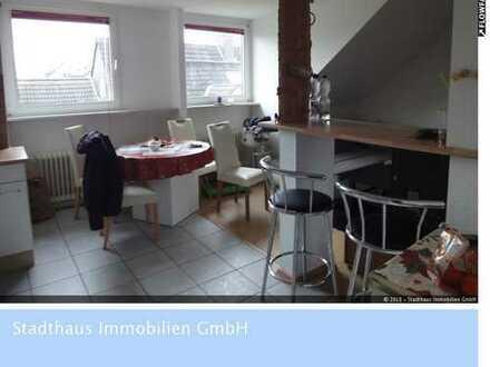 Bochum-Langendreer: Helle Dachgeschosswohnung mit 2 Garagen!