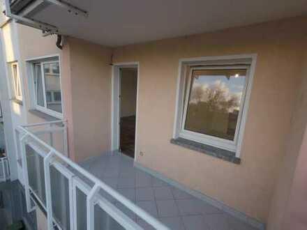 Neu sanierte & renovierte wunderschöne 3-Zimmerwhg. mit Balkon in TOP Lage mitten in der Innenstadt