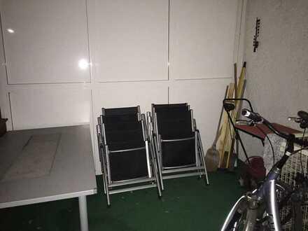 Möbliertes 22qm Zimmer in netter 4er WG