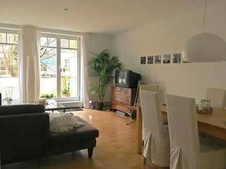 Gut geschnittene 4-Zimmer Wohnung mit Balkon und EBK in Schwachhausen/Riensberg