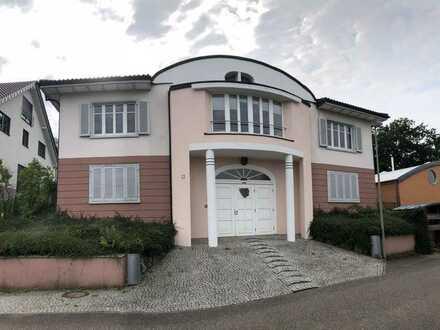 Repräsentatives Wohnhaus in bevorzugter Wohnlage von Annweiler-Queichhambach