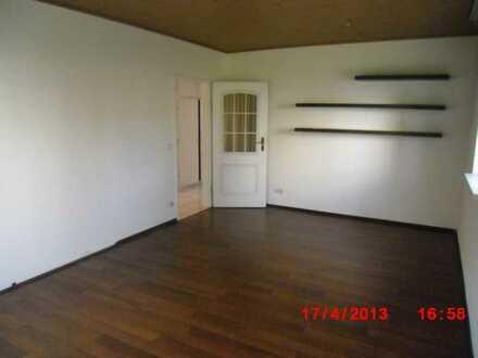 Gut geschnittene 2-Zimmer-Wohnung mit Balkon und EBK in Höchst im Odenwald