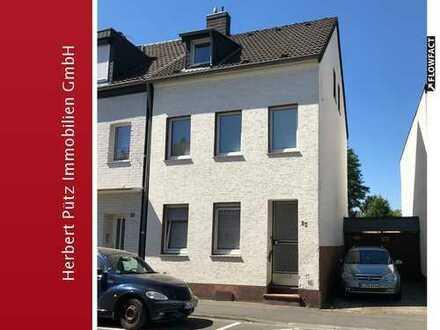Renovierungsbedürftiges 2-Familienhaus in Wahnheide
