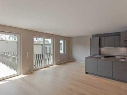 Neubau: elegante Dachterrassen-Wohnung mit Küche & Einbauten