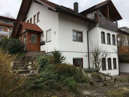 Gepflegte 2,5-Zimmer-EG-Wohnung (82 qm) mit EBK und Terrasse in Achern-Mösbach