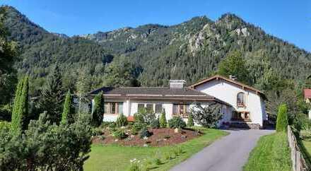 Schliersee/ Neuhaus - Traditionelle Landhausvilla in herrlicher Lage für die große Familie