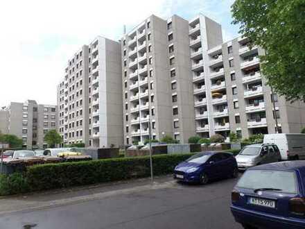 -- Weiden -- gut geschnittene 3-Zi-Wohnung mit Balkon --