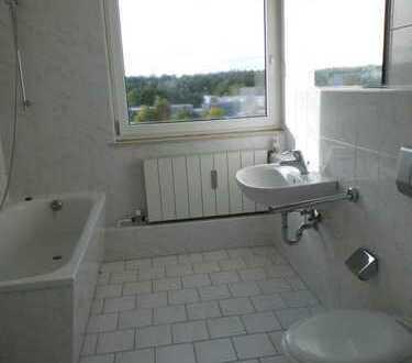 Schöne 3-Z.-Whg. m. EBK, Vollbad u. Balkon zu vermieten