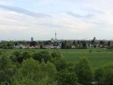 2-Zimmer-Wohnung mit Süd-Balkon und Blick über München
