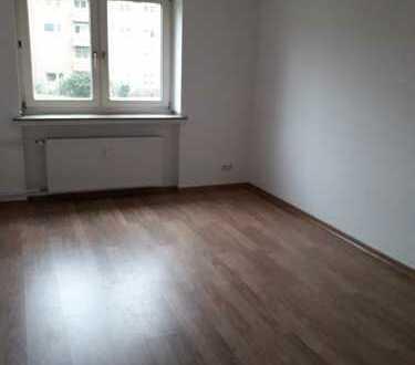 ***gepflegte 3 Raumwohnung mit Balkon in ruhiger Umgebung***