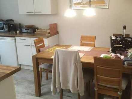 Geräumige und modernisierte 1-Zimmer-Wohnung mit EBK in Baden-Württemberg - Sandhausen