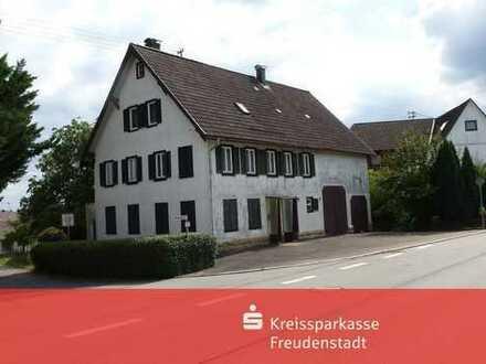 Bauernhaus mit Scheune und großem Grundstück in Grömbach