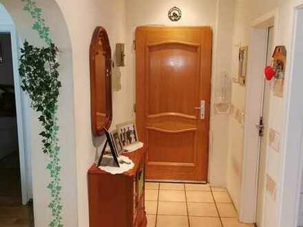 *** Traitteur Immobilien- helle, lichtdurchflutete Wohnung mit Erker-Süd-Ost Terrasse-***