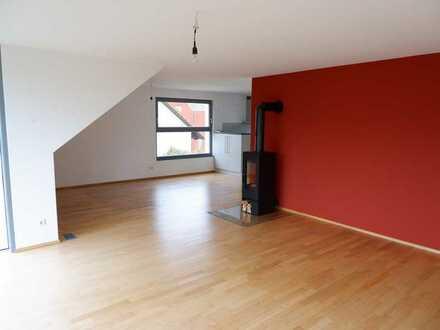 Weg vom Standard- Hin zur Individualität, Exklusive 3,5 Zimmer Dachgeschoss Wohnung in Gärtringen