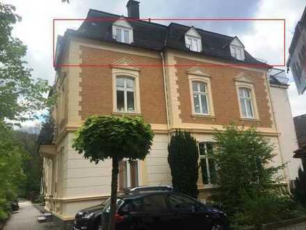 Wohnen in einer Jugendstil-Villa! Renovierte 4-Zimmer-Wohnung mit Balkon, zentral in Kirchen.