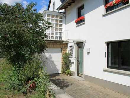Schöne drei bis vier Zimmer Wohnung in Bad Kreuznach (Kreis), Bad Münster am Stein-Ebernburg