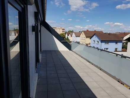Exklusive Maisonette-Wohnung - offene Küche - große Dachterrasse - bodentiefe Fenster