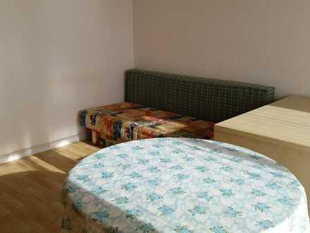 Sonniges möbliertes Zimmer im Herzen Karlsruhes