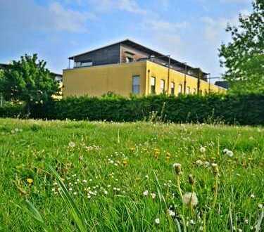 Reihenmittelhaus mit Garten, Dachterrasse, Stellplatz und Carport