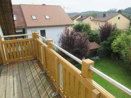 Ch. Schülke Immob. - Schöne 3-Zimmer-DG-Whg. mit Balkon und Einbauküche