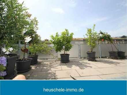 Neuwertige Dachgeschoss-Maisonettewohnung mit zwei Bädern und großer Dachterrasse