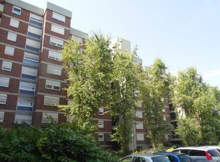 Großzügige Hochparterre-Wohnung (4 Zi.,KDB und 2 WC) mit Balkon in Dortmund östl. City/Hörde