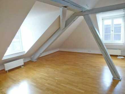 2184 - Dachgeschosswohnung mit Galerie in repräsentativer Jugendstilvilla!