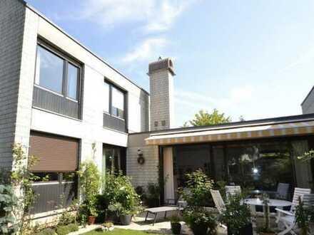 Ruhig gelegenes Einfamilienhaus mit schönem Garten in Ottobrunn